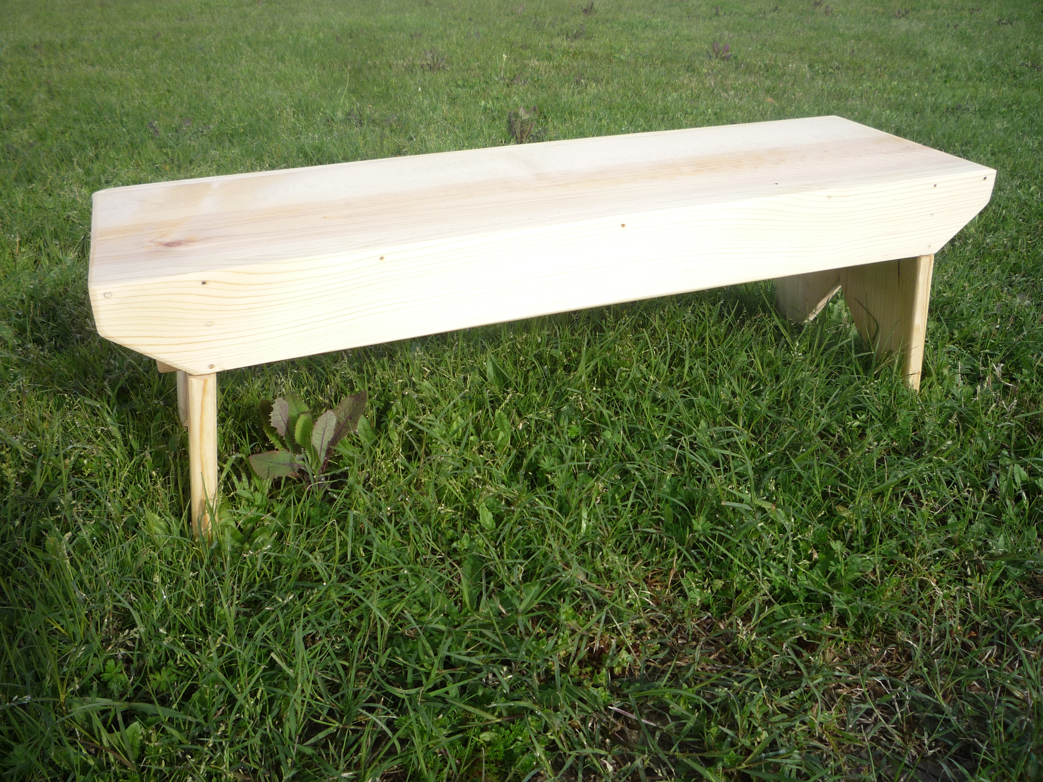 how to make a simple wooden bench